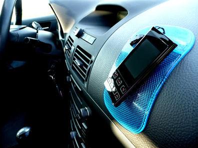 NanoPodložka modrá průsvitná - protiskluzová nano podložka do auta Nanooriginal